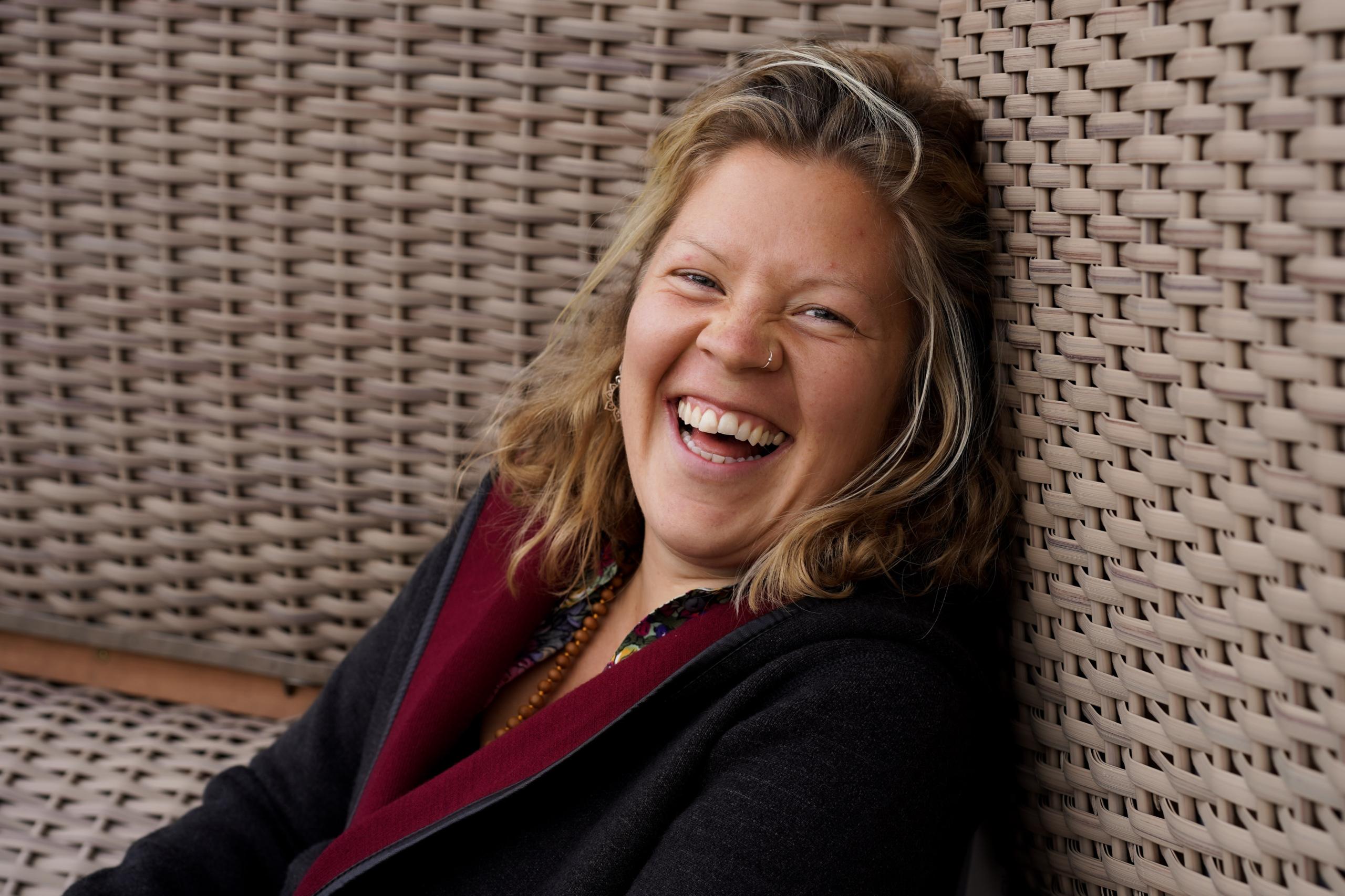 Sonja Eilermann lacht herzhaft.